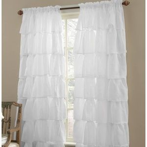 Sheer Ruffle curtains (3 pieces)